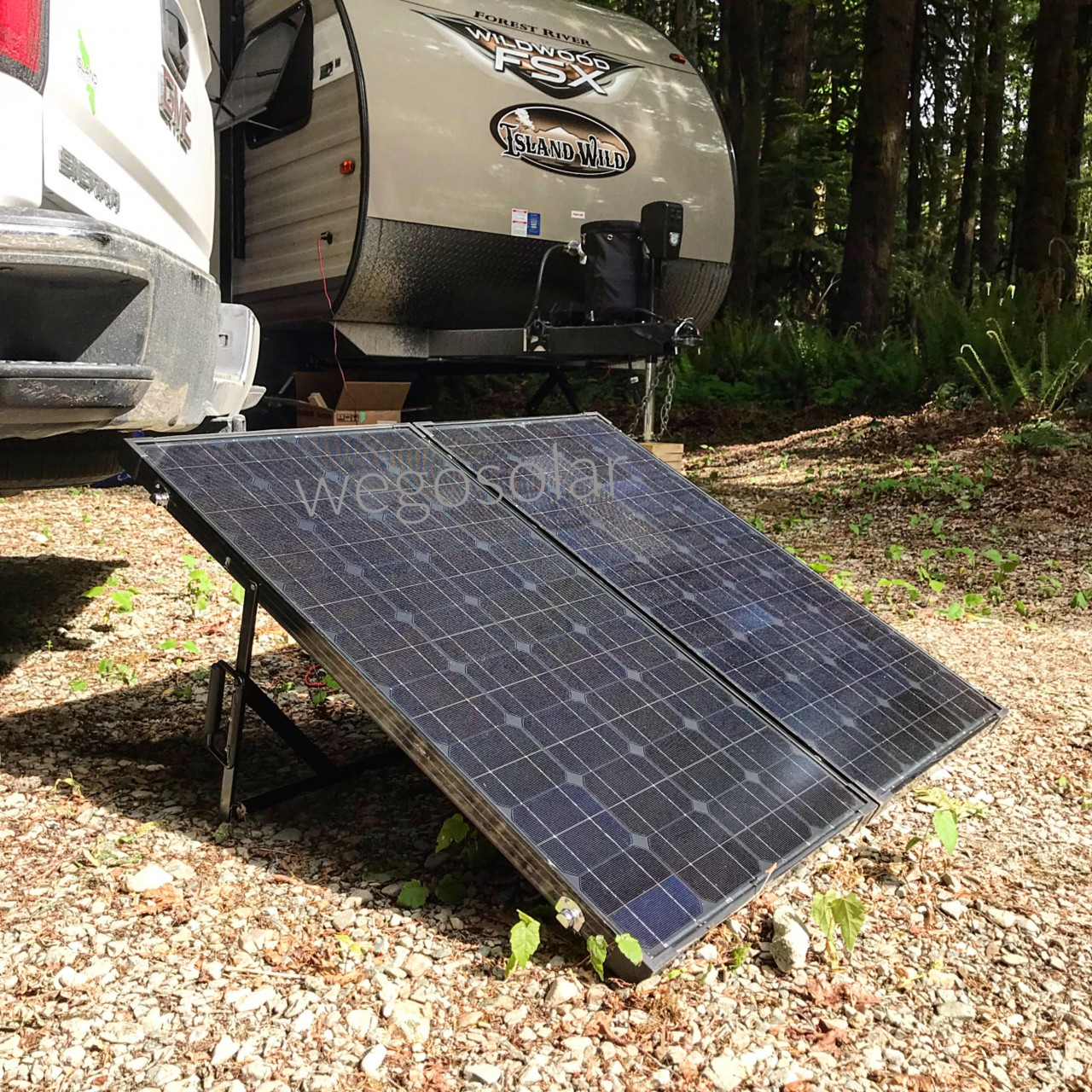 180W Folding Solar Panel Kit - We Go Solar Canada