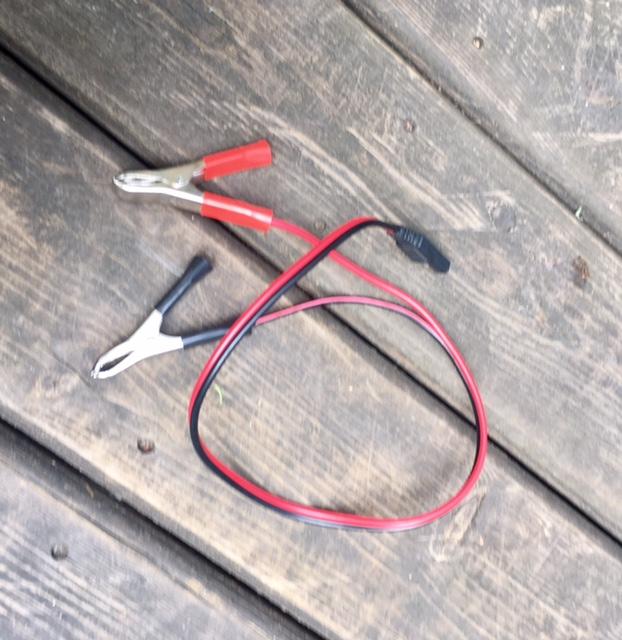 solar-panel-folding-kit-clips.jpg