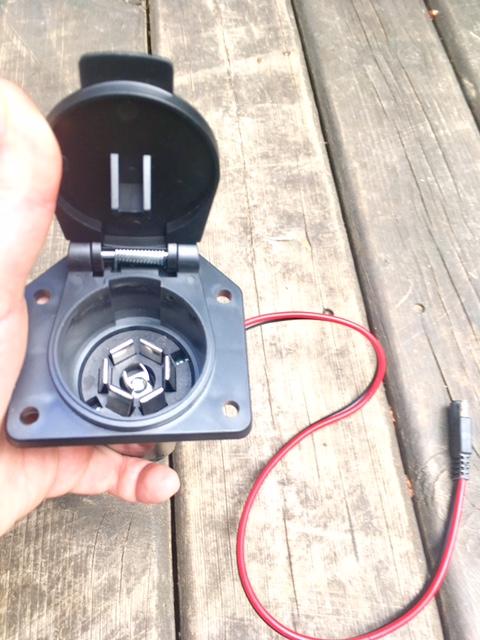 solar-panel-folding-plug-kit.jpg
